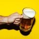 5 Gründe, warum man Grillgut nie mit Bier ablöschen sollte